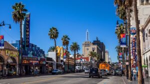 Businesses exiting California surges in 2021, dealing 'death knell' to state's economy